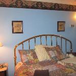 The bed and decor