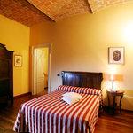 Camera  - il Camino- Balcone con vista panoramica sui vigneti delle Langhe-Roero e Monferrato ne