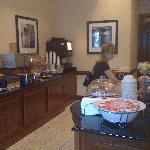 Lobby_during breakfast