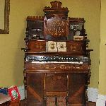 Vintage organ in sitting room