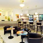 reception & bar