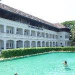 HOTEL DESDE LA PISCINA