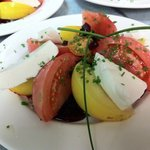 heirloom tomato salad with balsamic roasted beets and fresh mozzarella