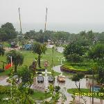 Вид с терассы на парк и море