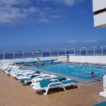 Hotel, piscina en terraza ático