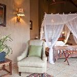 Jamila Game Lodge Luxury Bungalow