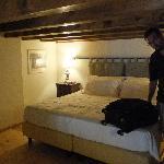Low-ceiling sleeping loft