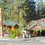 Front view of Park Tahoe Inn