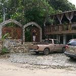 Street view of  Coconut Tree cabin