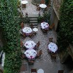 Court yard restaurant - ce beau