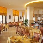 Corniche Restaurant All day Dining