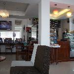 lobby hotel with bar