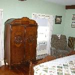 room 2 armoire
