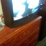 Furniture worn/TV small