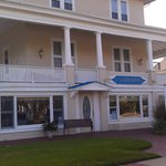 Bistro By The Beach in the Sandpiper B & B