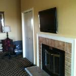 fireplace and tv. room #362