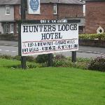 Hunters Lodge Hotel Sign