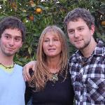 Dos de mis hijos y yo