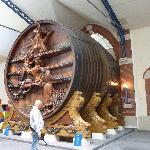 World's largest Champagne barrel (Hic)!