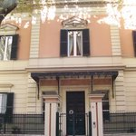 The front of Villa Urbani