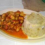 trifongo with chicken in criolla sauce