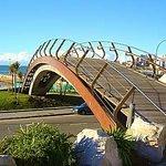 Paseo Davila , puente peatonal,Mar del Plata