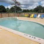 Kids' wading pool