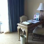 escrivaninha no quarto