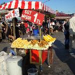 Vendedor de mazorcas  de maiz en Eminou