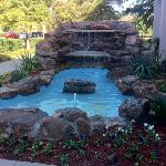 patio area with waterfall