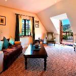 Suite 6 lounge
