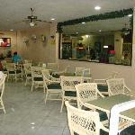 Lobby/cafe
