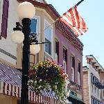 5 Corners is located in historic downtown Amherst and is just steps away from dining, shops and