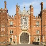 "My ""postcard picture"" - Hampton Court Palace"