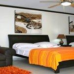 www.hoteltuanisjacobeach.com