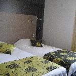 chambre deux lits Hôtel Belfort Nantes