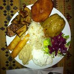 vegatarian plate: falafel, hummous, stuffed pepper, rice, salad, mushrooms...yum!!
