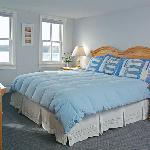 Waterfront Suite with king size bed, seperate living room with breakfast included