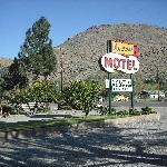Andruss Motel in Walker Calif