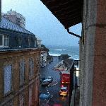 Blick vom Balkon im 3 Stock zum Wasser