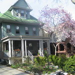 Emilia's Retreat--Family friendly stay in beautiful Victorian Brooklyn