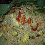 spicy basil fried rice with chicken