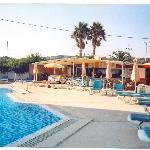 Pool + Bar @ Antonis