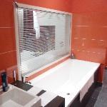 Red Bathrom