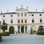 Villa Ghislanzoni within the gates