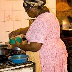 La padrona e cuoca del locale