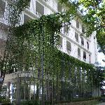 Exterior of Lone Pine Hotel