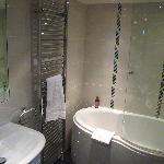 lavender room en-suite with nice big bath