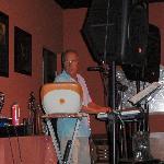 Greg -Lounge entertainer