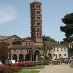 Santa Maria in Cosmedine dal Foro Boario